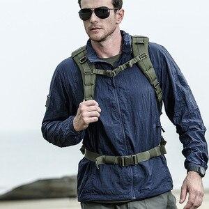 Image 2 - Jaqueta masculina militar, nova jaqueta de verão de 2020, à prova d água, de secagem rápida, tática, com capuz, protetor solar