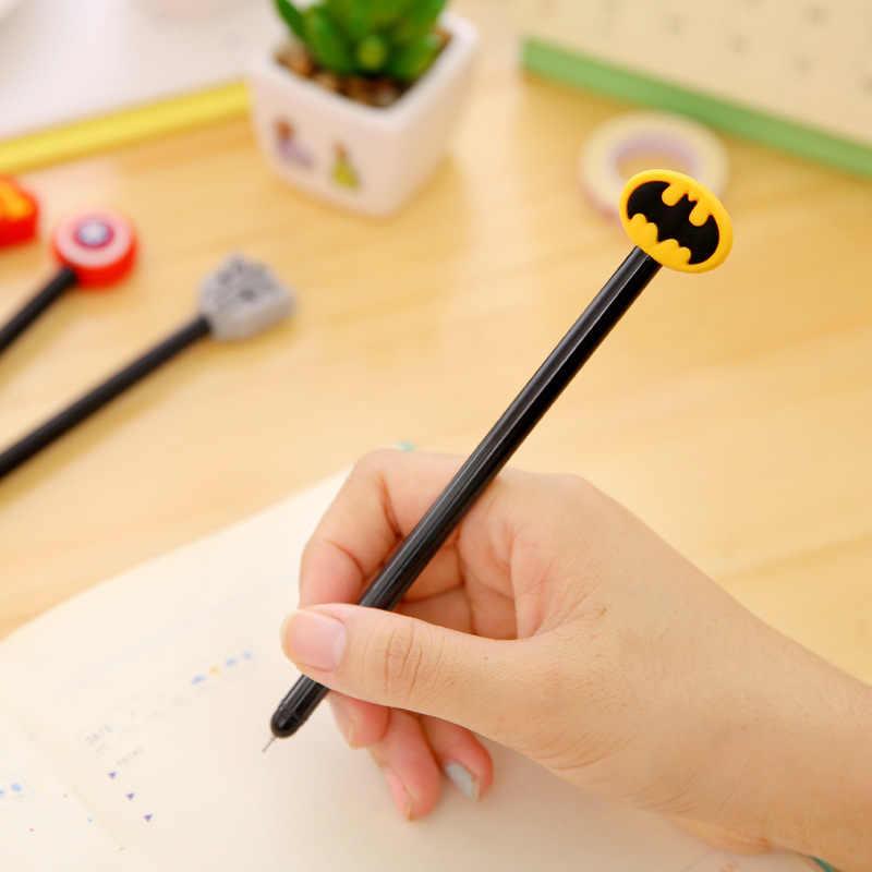 1 pçs criativo caneta de papelaria dos desenhos animados bonito macio borracha preta caneta neutra dos desenhos animados herói assinatura caneta kawaii estacionário
