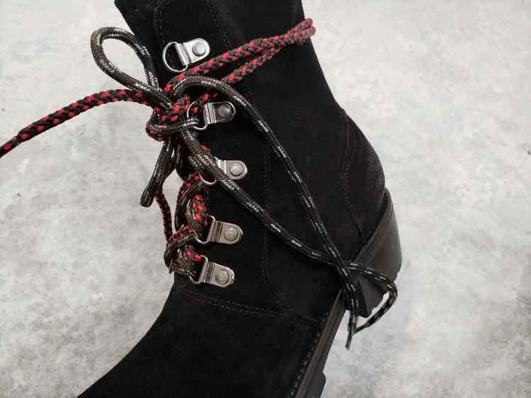 ฤดูหนาวรองเท้าผู้หญิงโลหะตกแต่งแฟชั่น COW Suede ยี่ห้อ Casual รองเท้าผู้หญิง LACE-up Martins รองเท้าบูทข้อเท้ารองเท้า