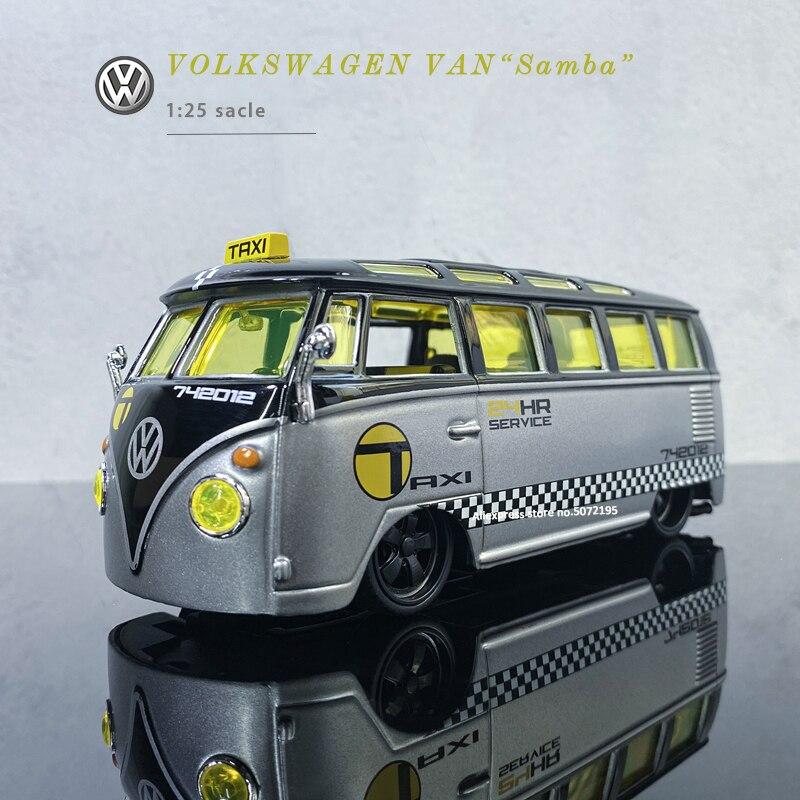 Maisto 1:25 Limited Edition Volkswagen Van Samba Retro Bus simulation alloy Car model Collectible Model Car Toys Gift for boys
