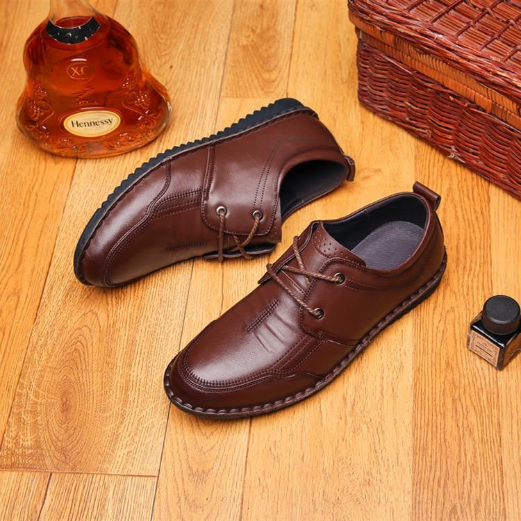 Couche peau de vache loisirs affaires affaires chaussure homme Doug chaussure moyen Age en cuir véritable papa semelle souple de chaussures pur manuel