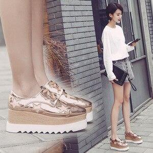 Image 2 - Обувь COWCOM со звездами, обувь на платформе, на высоком каблуке, с квадратным носком, на танкетке, женская повседневная обувь, женская обувь