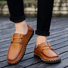 Fashion Leather Men Shoes Casual Flat Men Shoes Breathable Loafers Men Genuine Leather Moccasins Comfortable Hot Sale hot sale men shoes spring summer breathable fashion woven espadrilles men casual shoes loafers comfortable mocassins