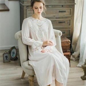 Image 2 - Женское платье для сна, кружевное винтажное платье принцессы с длинным рукавом, элегантный синий светильник, летняя хлопковая ночная рубашка размера плюс, T25