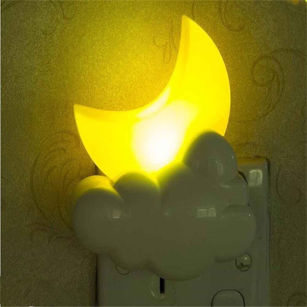 1 adet Karikatür LED Ay Bulut Şekli Gece Lambası Oyuncak Sensörü Çocuk Bebek yatak odası lambası Ev Dekorasyon Duvar Priz Lambası