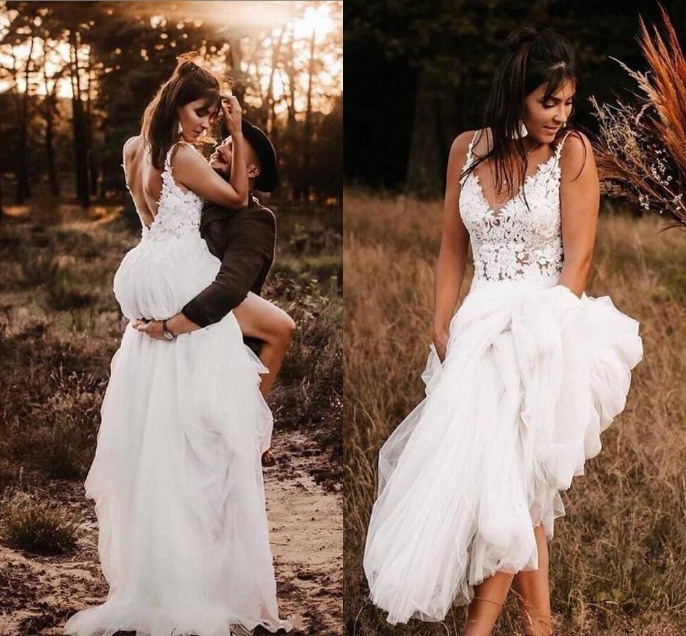 Vintage Bohemian Beach Wedding Dresses 2020 Sexy V-neck Lace Floral Backless Summer Holiday Bride Country Wedding Gown Robes De