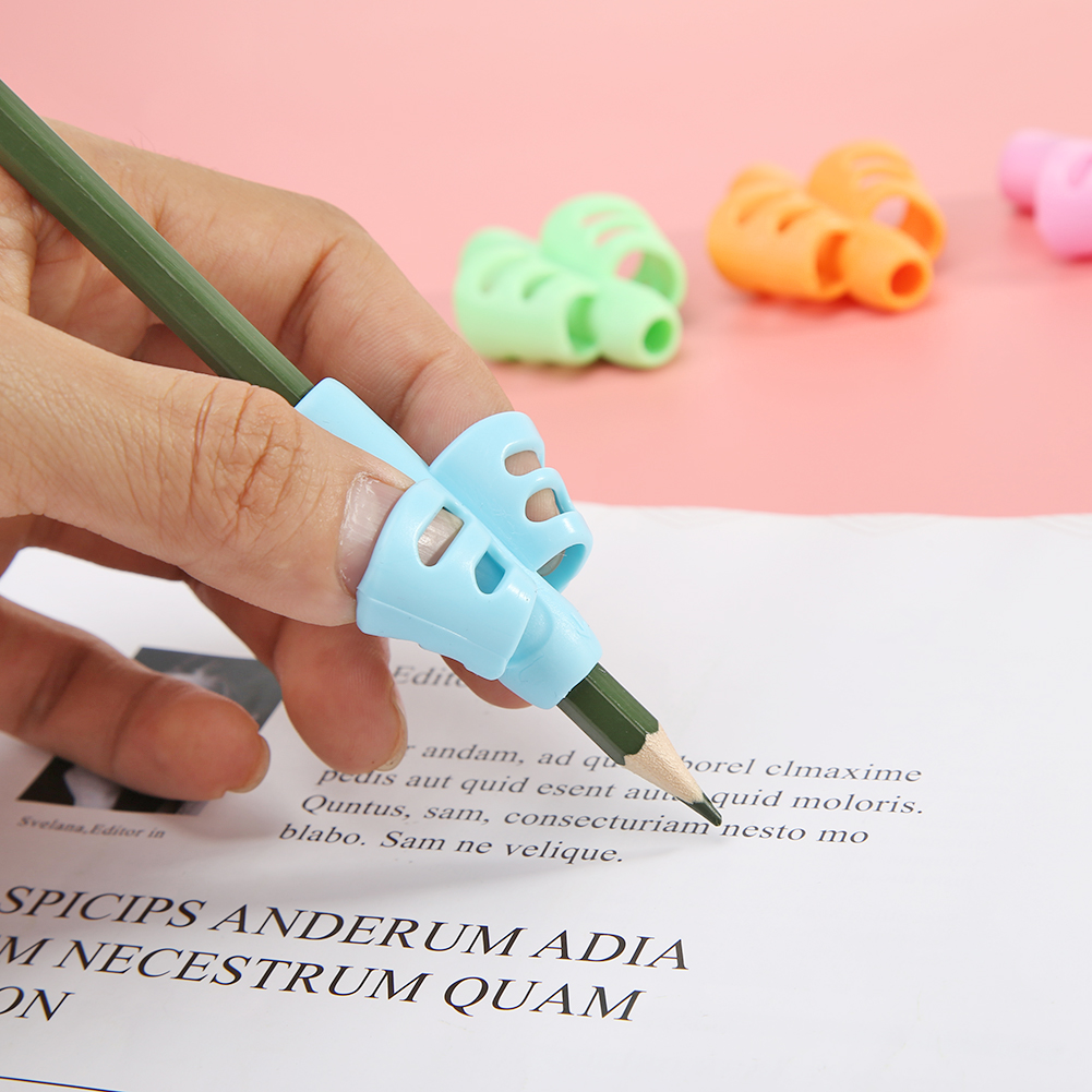 4pcs Hollowed Pencil Holder Tools Rubber Children Learning Practise Two Finger Writing Pen Aid Grip for School Kids