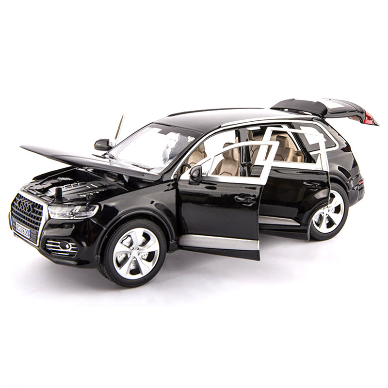 1:24 High Simulation Alloy Car Model For Audi Q7 Off-road Model With Sound And Light Pull Back Toys For Children Car Collection