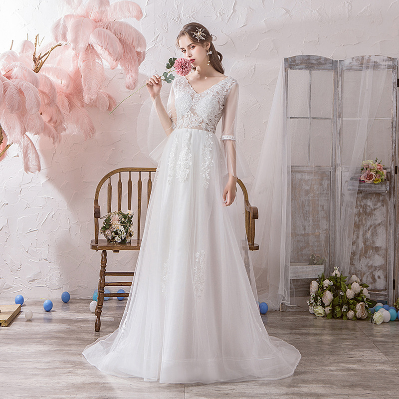 New Sexy V Neck Long Sleeve With Train Simple Wedding Dress Lace Appliques Illusion Lace Up Plus Size Bride Gown Robe De Mariee