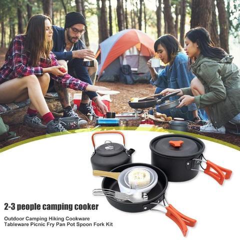 acampamento ao ar livre caminhadas panelas utensilios