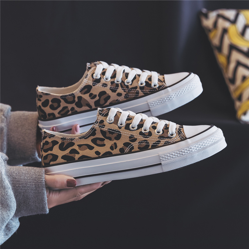 New Women Leopard Canvas Shoes Summer Classic Low Top Flats Woman High Quality Skateboarding Fashion Sneakers Promotion 35-40