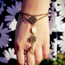 Finger Chain Simple Retro Hollow Carved Four-leaf Clover Shell Plated Women Metal Bohemian Jewelry