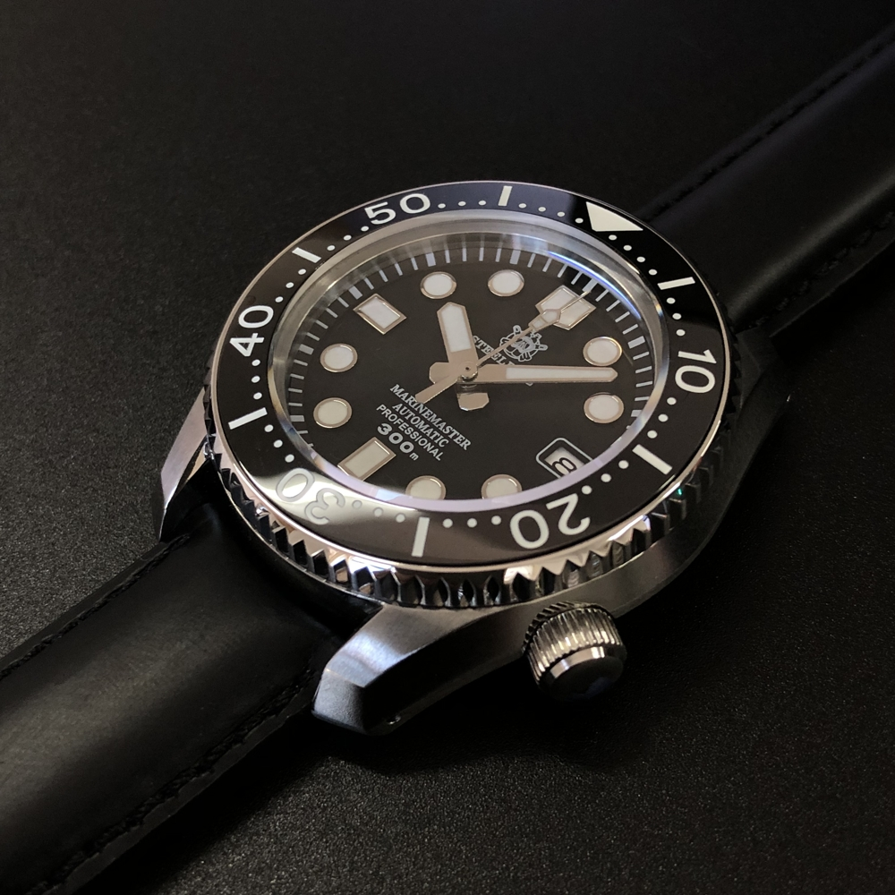 Automatic Watch Bottom-Cover 1968 Sapphire STEELDIVE 300m Japan Without First-All-In-One-Case title=