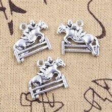 10 pçs encantos cavalo equitação corrida sporter 17x23mm antigo prata cor pingentes diy fazendo descobertas artesanal tibetano jóias
