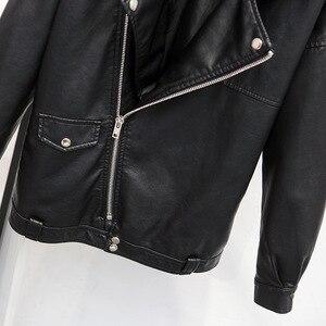 Image 4 - Guilantu 2020 פו עור מפוצל מעיל נשים אופנוע אופנוען פאנק Streetwear גבירותיי עור מעיל בתוספת גודל רופף נשי מעיל
