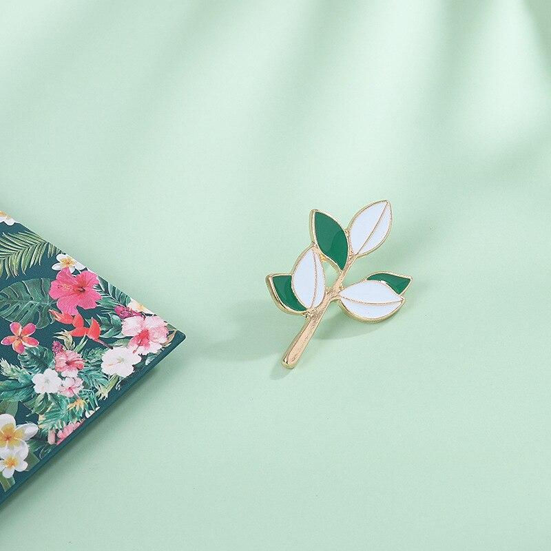 Nieuwe Product Persoonlijkheid Niche Serie Mori Vrouwen Literatuur En Kunst Kleine Verse Groene Blad Tak Broche Pin Accessoires Gift 5