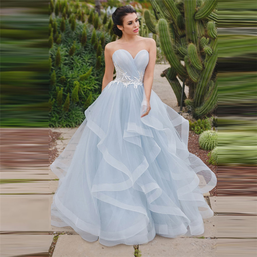 Sweetheart Tulle Tiered Wedding Dresses Lace Appliques Lace Up Back Garden Bridal Gowns Spring Soft Robe De Mariage