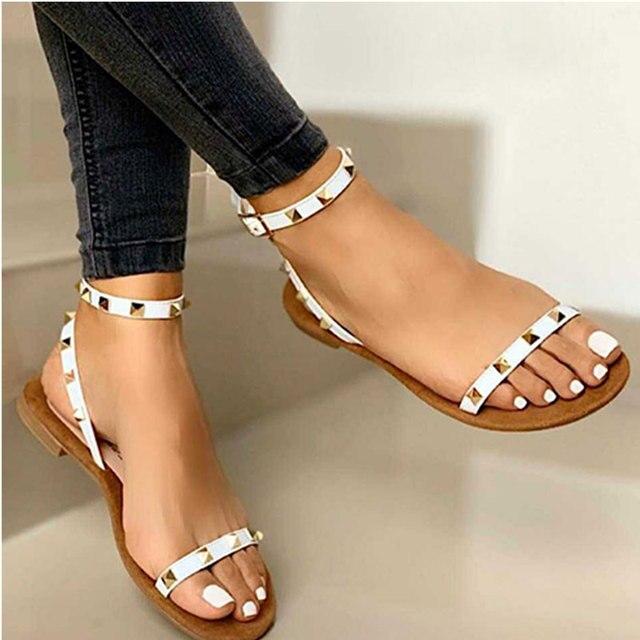 2020 Sandalias Mujer remache hebilla Correa pisos mujer punta abierta Sexy playa Casual zapatos mujer verano calzado talla grande 2