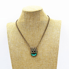 Foreign trade new hollow out green square crystal simple fashion necklace for women graceful hollow out beads necklace for women