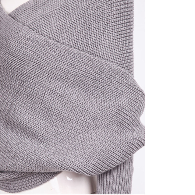 V Neck Fashion Sweater for Women in autumn