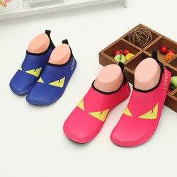 Dla dzieci Cartoon lekkie sandały nurkowanie z rurką buty do pływania Anti slip bieżni buty czerwony stóp łatka skóry miękkie buty w Półki i organizatory na buty od Dom i ogród na