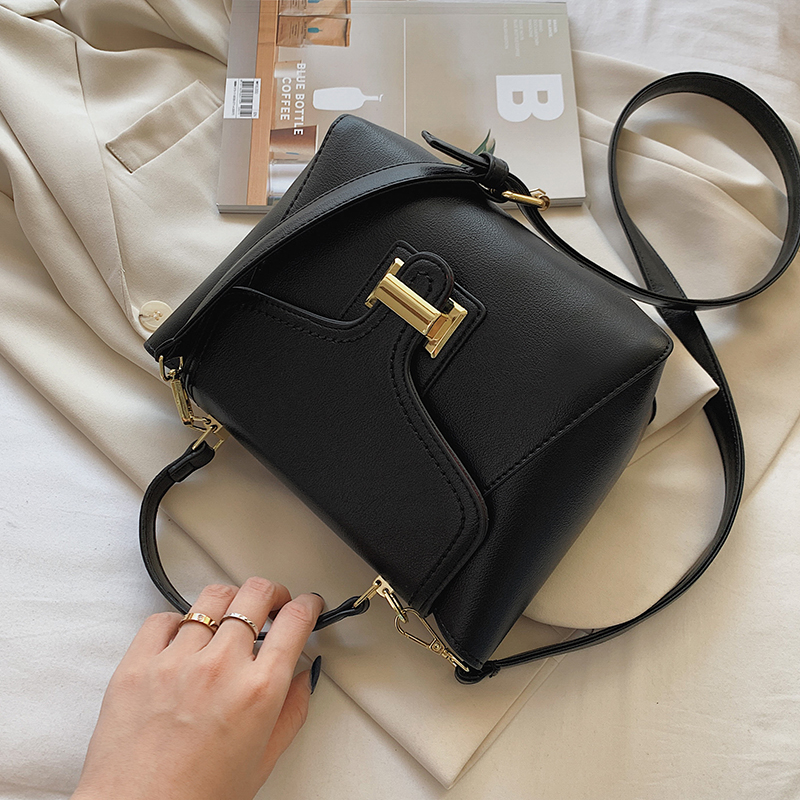 Купить с доставкой 2020 женская сумка через плечо из искусственной
