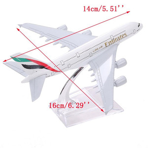 Image 2 - Powietrza arabskie A380 przez linie lotnicze oferujące model samolotu Airbus 380 dróg oddechowych 16cm stopu metalu model samolotu w stojak statków powietrznych M6 039