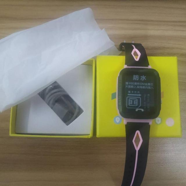 детские смарт часы с gps водонепроницаемые фонариком сенсорным фотография
