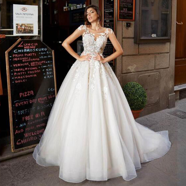SoDigne Tulle A Line Wedding Dresses Short Sleeves Lace Appliqued Princess Ruffles Wedding Gown 2021 African Bridal Dress 2