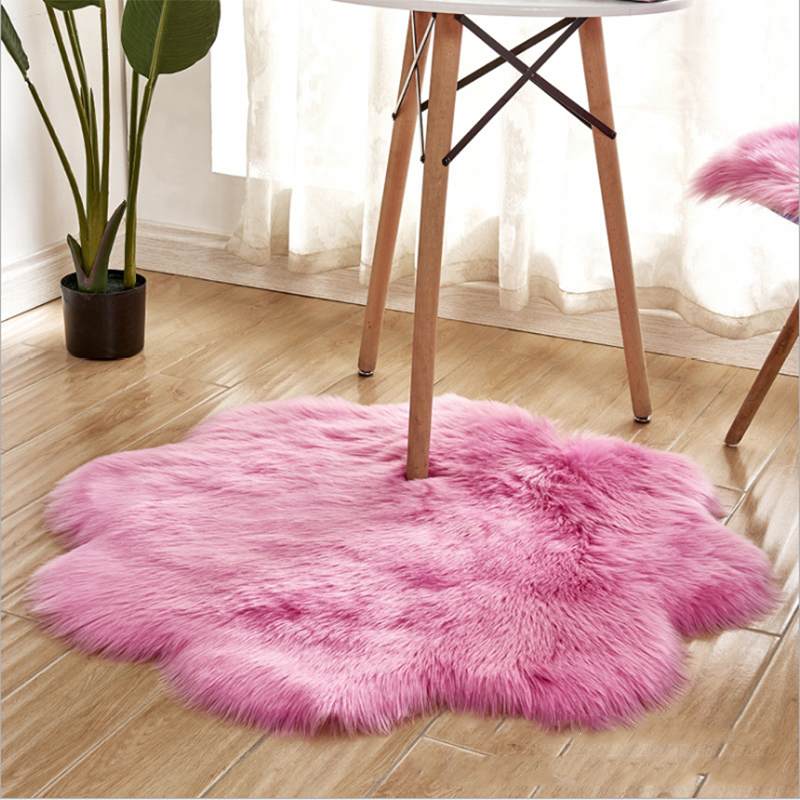 Comfortable Soft Long Plush Rug Imitation Wool Carpet Artificial Bedroom Sofa Plum Blossom Shape Super Warm