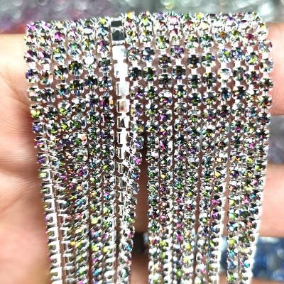 1 ярд/шт, 30 цветов, стеклянные хрустальные стразы на цепочке, Серебряное дно, Пришивные цепочки для рукоделия, украшения сумок для одежды - Цвет: Multicolored