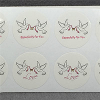 5000Pcs/Lot White Paper Cardboard Printed With Two Peace Pigeon For Jewelry Festival Gift Box Self Adhesive Sticker Label
