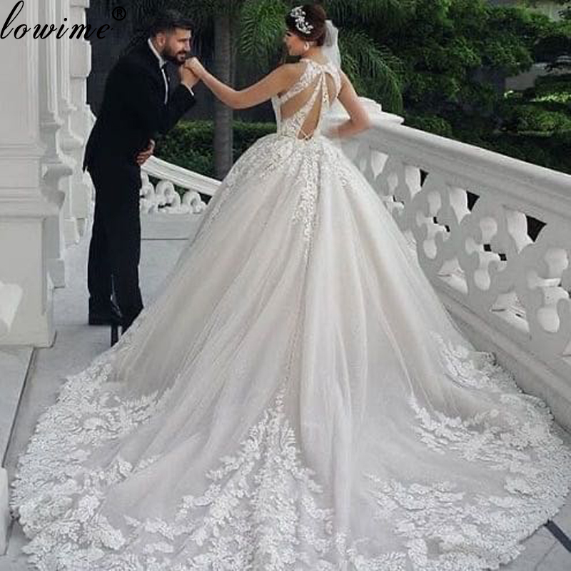 Middle East Ivory Lace Wedding Dresses 2020 Long A Line Vintage Wedding Gowns With Appliques Beading Sleeveless Garden Brides Leather Bag,Beach Cocktail Dress Wedding