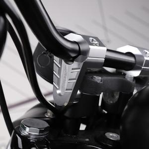 Image 4 - 7/8 22ミリメートル28ミリメートルシルバーcncアルミハンドルバーライザー上昇マウントクランプ普遍オートバイatvライザーD45
