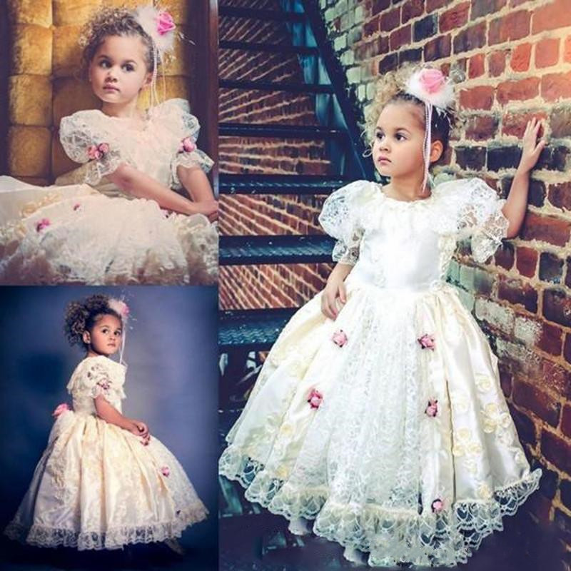 Ivory White Vintage Lace Flower Girl Dress For Weddings Short Sleeves O Neck 3D Flowers Girls Clothes For Party Custom Made