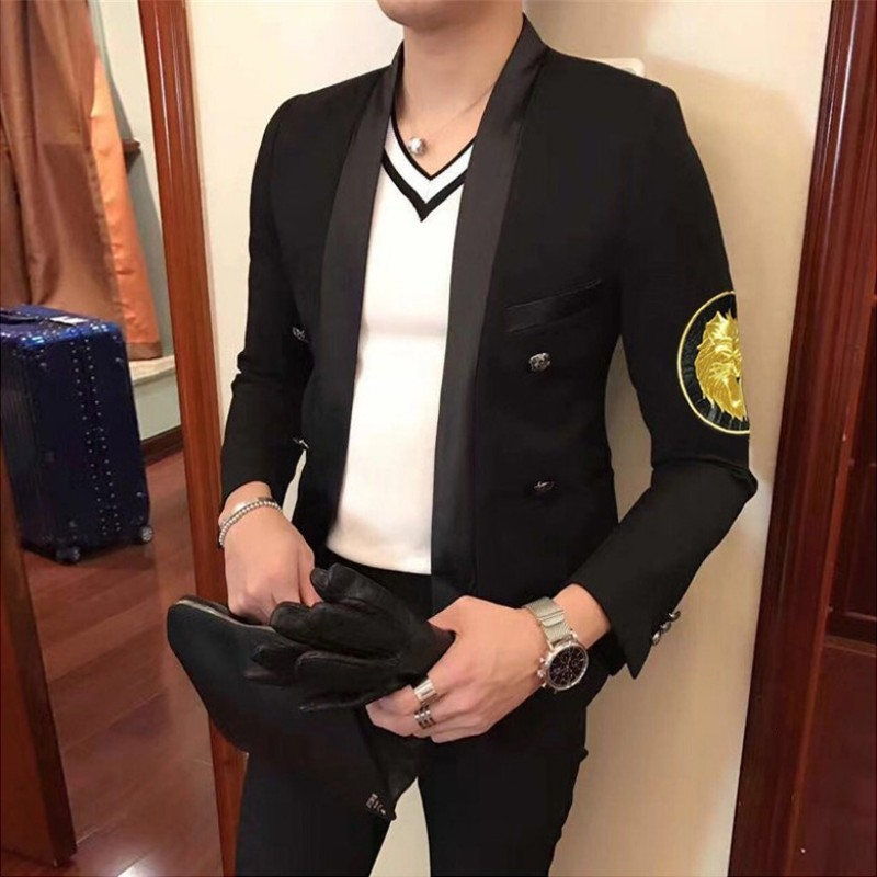 Spring New Korean Slim Fit Embroidery Badge Mens Blazer Gothic Shawl Collar Double Breasted Night Show Wear Male Outwear Coats