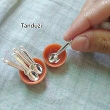 Tanduzi 50PCS כסף בית בובות כף מתכת מיני כפות סגסוגת אמנות DIY מיניאטורי כף מזויף מזון תכשיטי קסם ביד מציאת