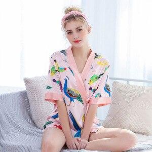 Image 2 - 2019 חדש 3 PCS נשים פיג מה סטי עם מכנסיים סקסי Pyjama סאטן פרח הדפסת Nightwear משי חלוק הלבשת Pyjama