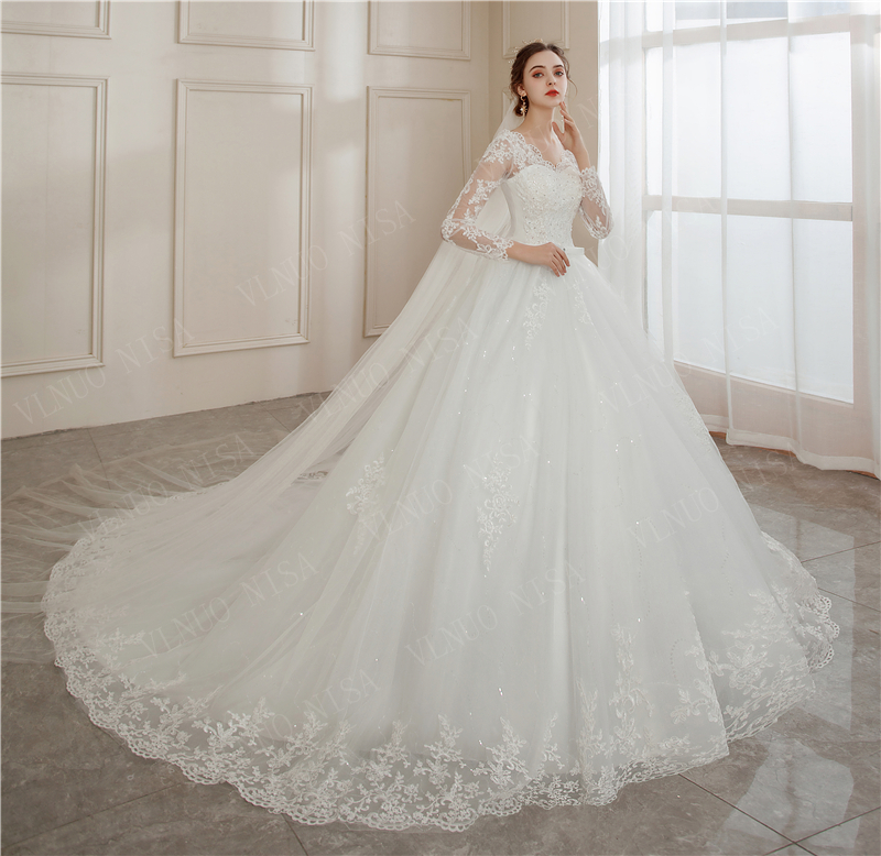 Vestido De Noiva 2020 V-neck Bridal Ball Gowns Long Sleeve Wedding Dresses Lace Appliques Brides Lace Big Train Plus Size 2-26w