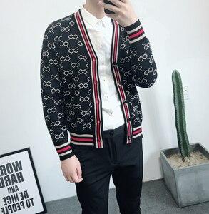 Image 2 - Sonbahar ve kış erkek jakarlı ve Fit up v yaka örme erkek moda trendi basit retro rahat kazak erkekler