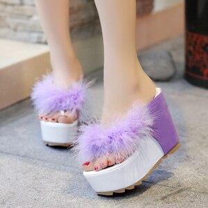 Image 4 - Lucyever/женская летняя обувь; Женские Вьетнамки со стразами; Модные пляжные сандалии на танкетке и высоком каблуке; Zapatos Mujer