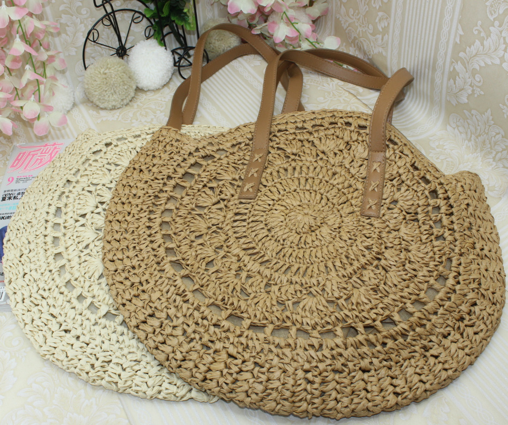 Beautiful Hand-woven Round Straw Beach Bag for Woman