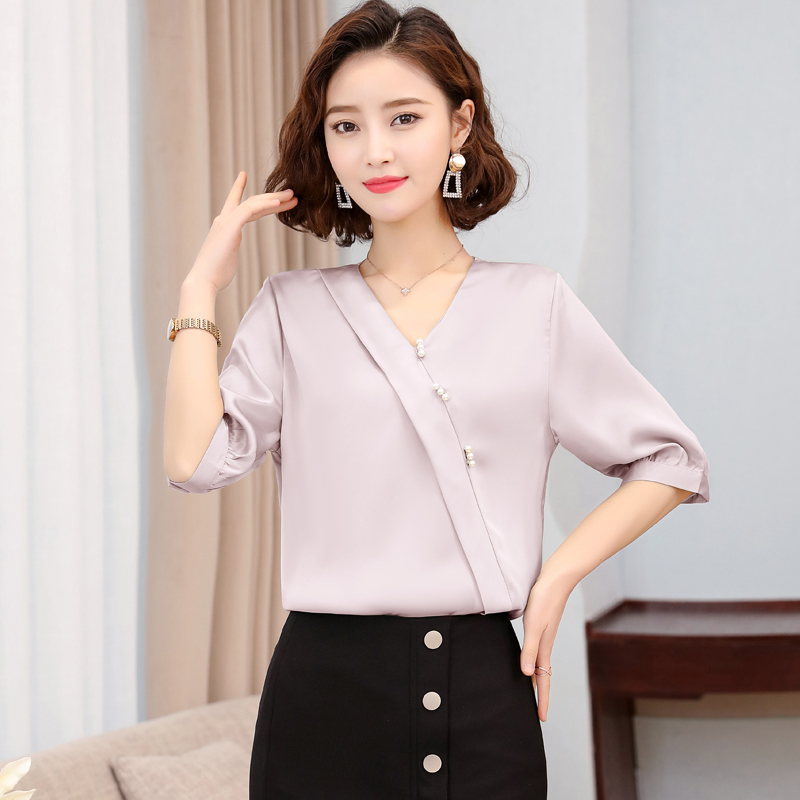 Korean Silk Blouse Women Satin Blouses Shirts Woman Beading V Neck Blouse Shirt Plus Size Blusas Mujer De Moda 2020 Ladies Tops