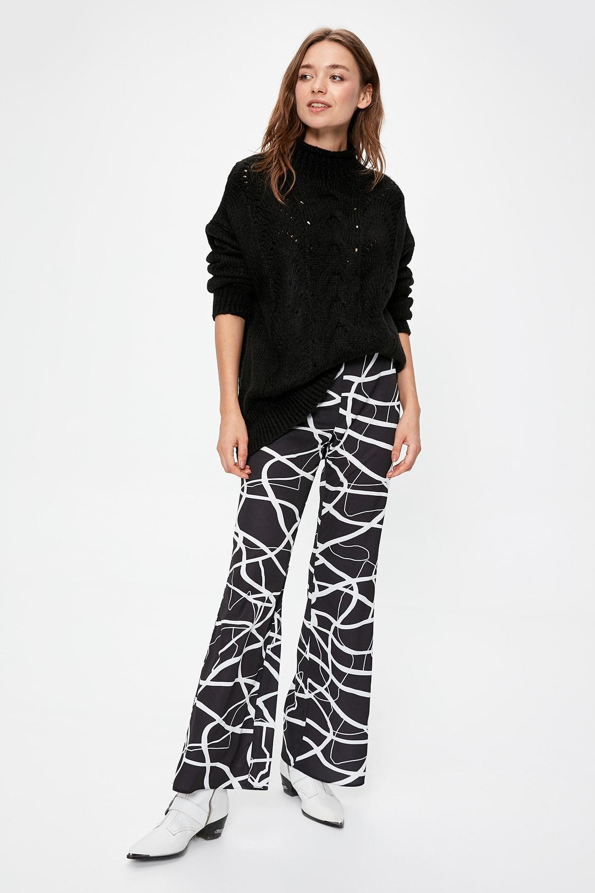 Trendyol Black Pattern Flare Pants TWOAW20PL0101
