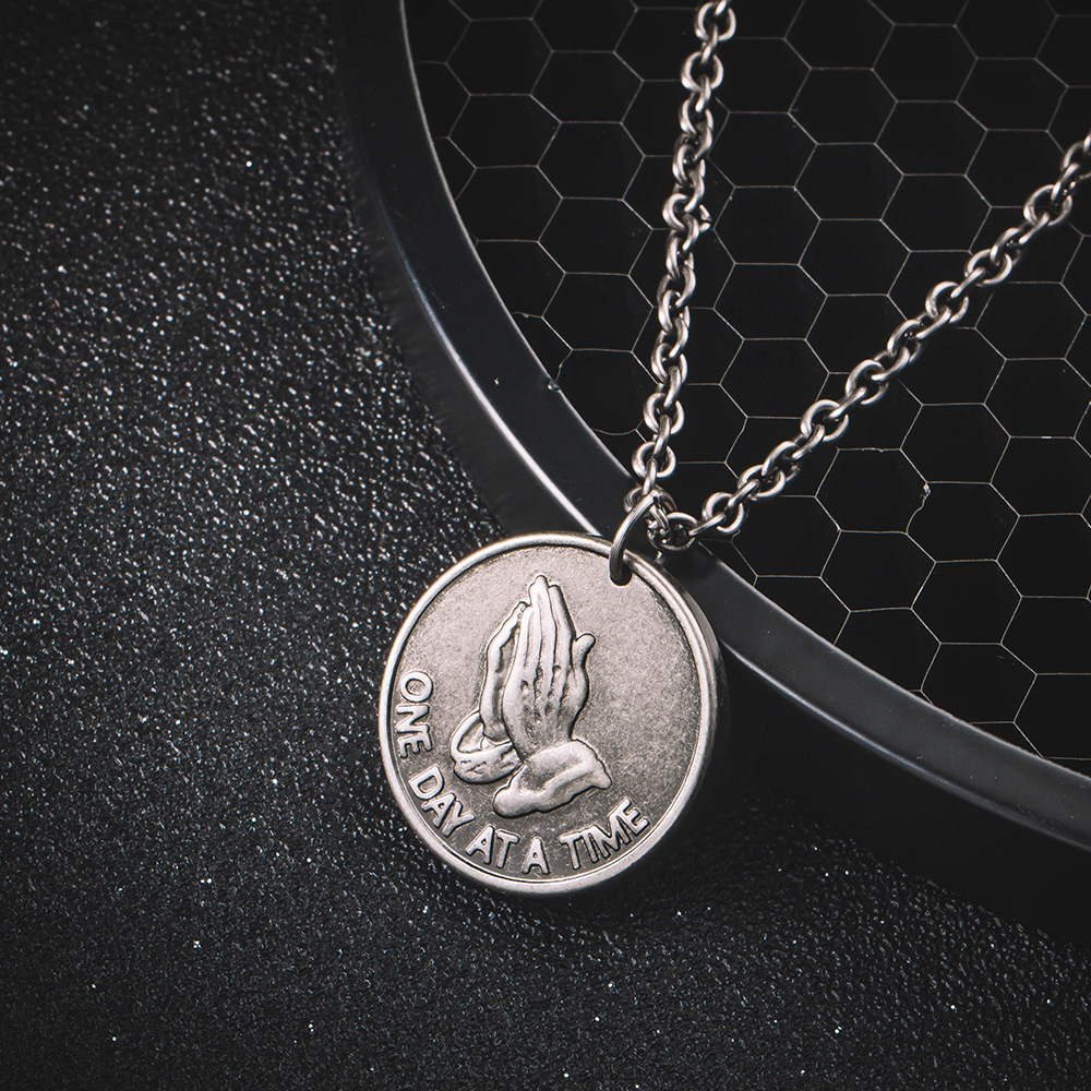 Retro Vintage Bible Verse Prayer Pendant Necklace for Men Christian Praying Hands Coin Medal Necklaces Male Jewelry 24Inch Chain