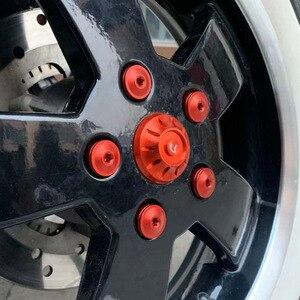 Image 2 - 오토바이 hubcaps 휠 사이드 커버 cnc 알루미늄 액세서리 piaggio vespa gts gtv 250 300 all year 2017 2018 2019 2020