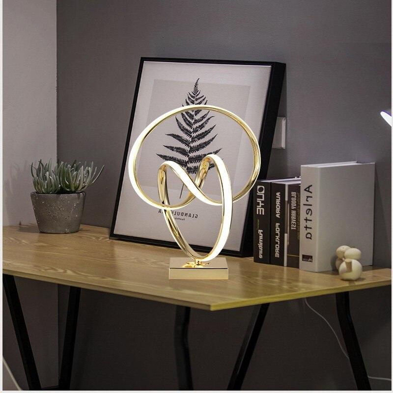 Lámpara de mesa LED Art Deco para living room bebroom lámpara de decoración de escritorio dorada lámpara de escritorio de estilo moderno para la decoración del hogar - 3