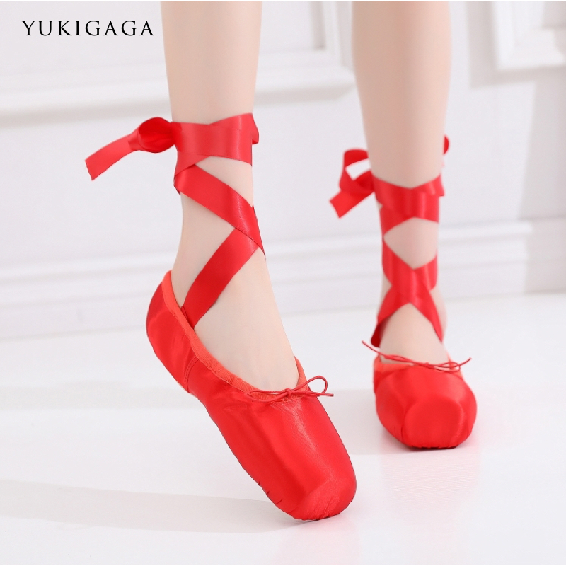 Hot Sales Satin Ballet Pointe Shoes Professional Girls Ladies Ballerina Dance Shoes With Ribbons