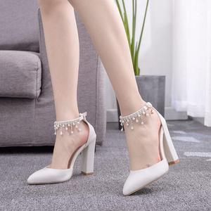 Image 3 - Kryształ królowa klamra pasek kobieta buty ślubne obcasy sandały na wysokim obcasie perła Rhinestone panie Sexy biały buty na koturnach