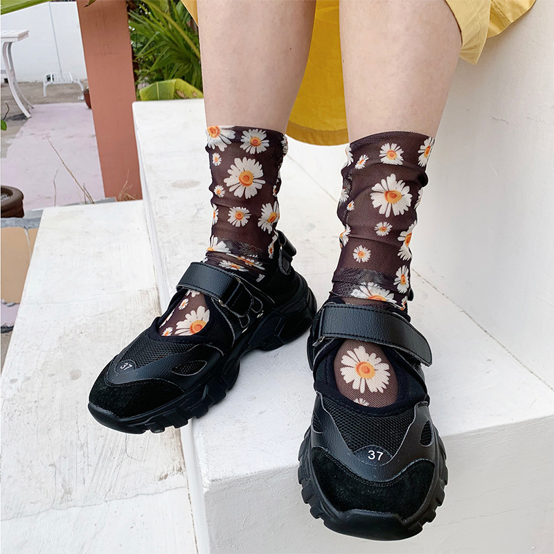 Korean Daisy Flower Socks Women Thin Mesh Tulle Socks Fashion Long Chffion Funny Socks Femme Dress Streetwear Calcetines